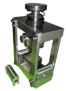 モルタル試験用圧縮・曲げ兼用型加圧板  C-214